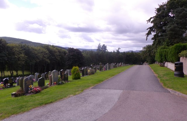 Vehicle route in St Ternam's cemetery, Banchory