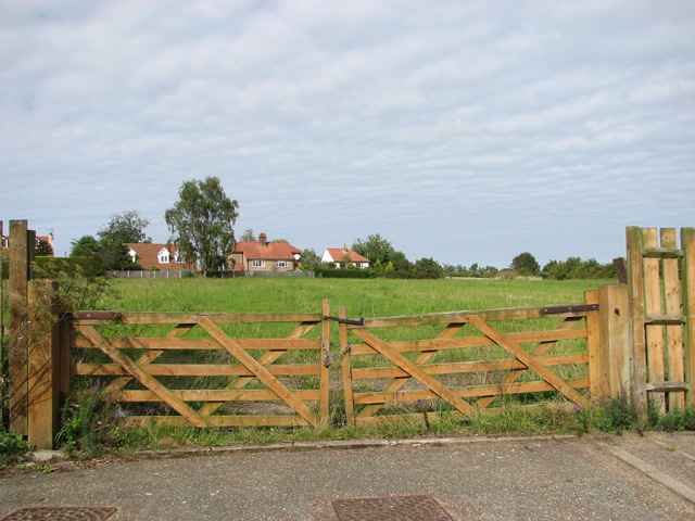 Gates at the end of Springfield, Acle