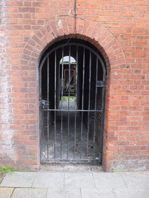 Arched passageway, King Street, Wigan