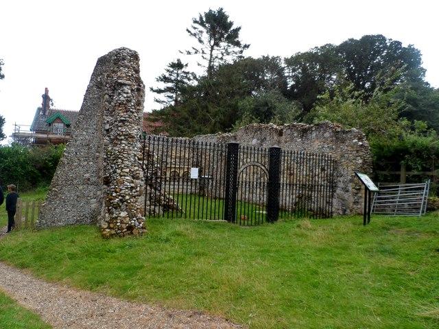 Ruined chapel, Dunwich