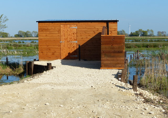 New bird hide at Willow Tree Fen Nature Reserve