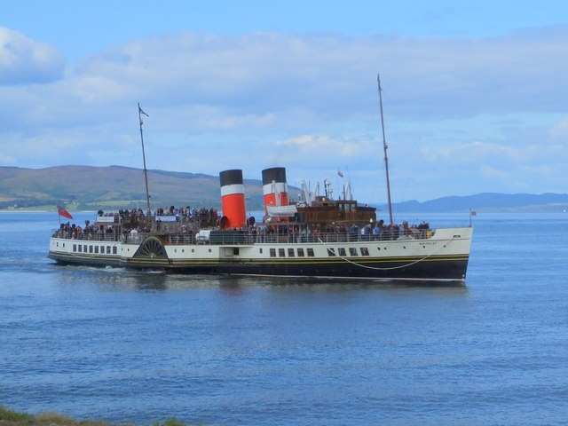 PS Waverley approaching Lochranza pier