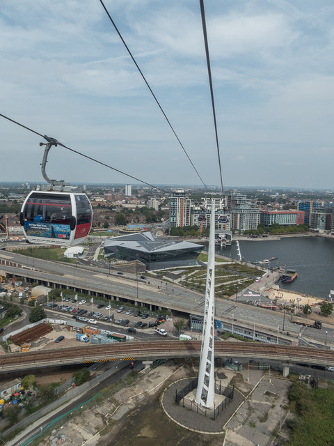 Emirates Cable Car across the Thames, London E1