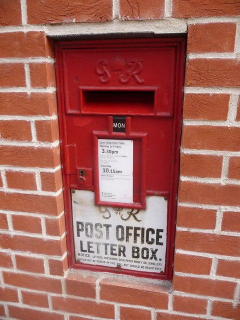 Cranborne: a replacement Ludlow postbox