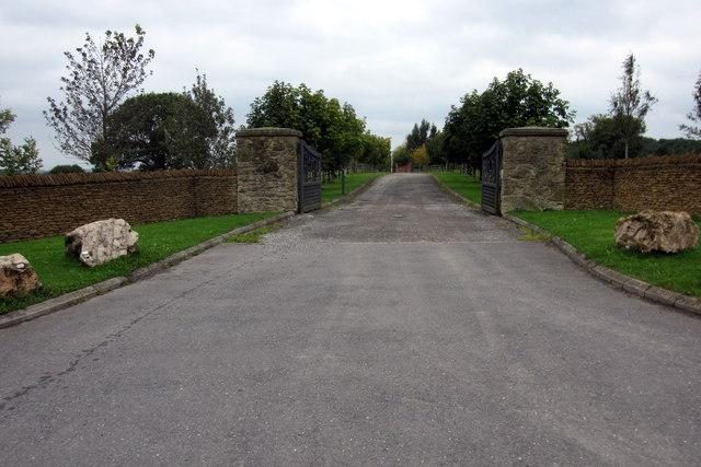Drive to Little Alton Farm