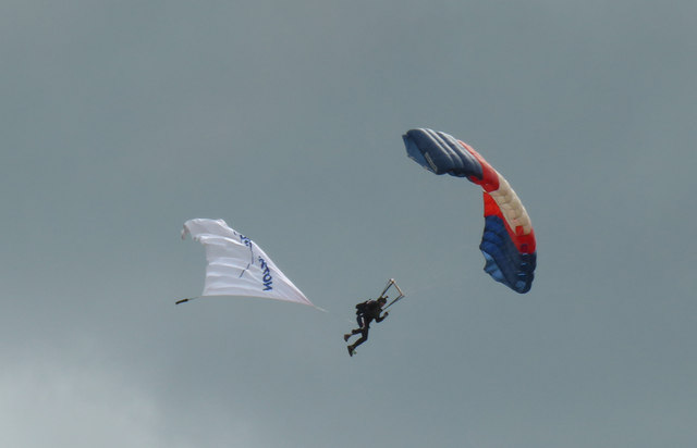 Dartmouth Regatta - parachuting team