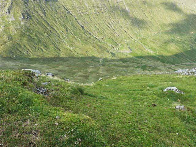 Hydro track east of Lairig Noe