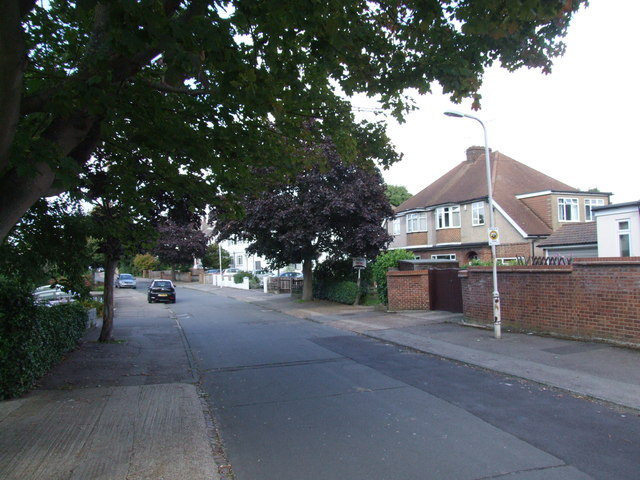 Pine Avenue, Gravesend