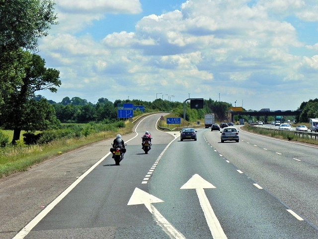 Southbound M40, Exit Sliproad at Junction 11
