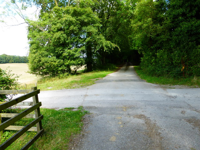 Byway crosses private road near Closedown House