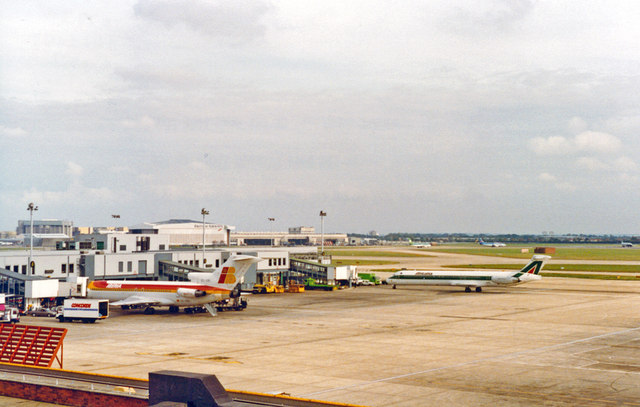 Heathrow Airport: view from Queen's Building, Terminal 2 1992