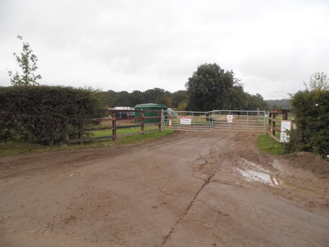 Field entrance on Bookham Road