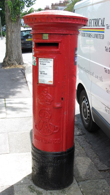 Edward VII postbox, Hartington Road, BN2