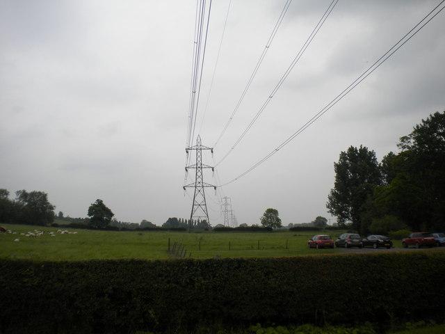 Pylons passing Goverton
