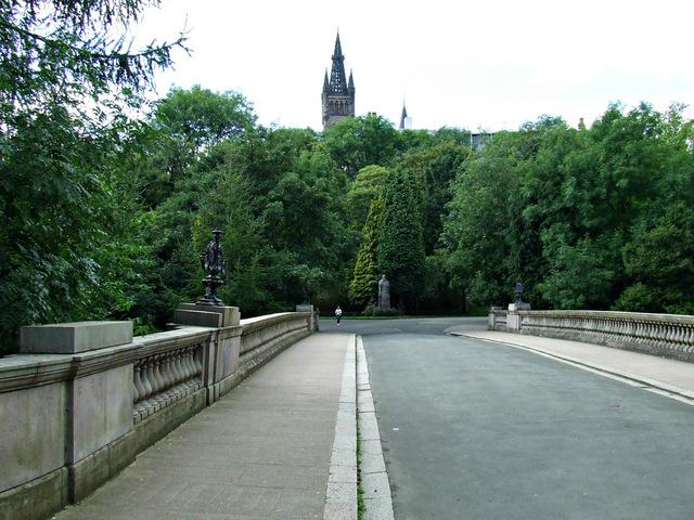 The Prince of Wales Bridge in Kelvingrove Park
