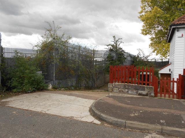 Footpath off South Kent Avenue, Northfleet (2)