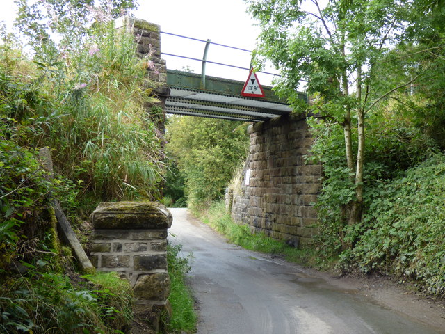 Brackenley Lane:  Railway bridge