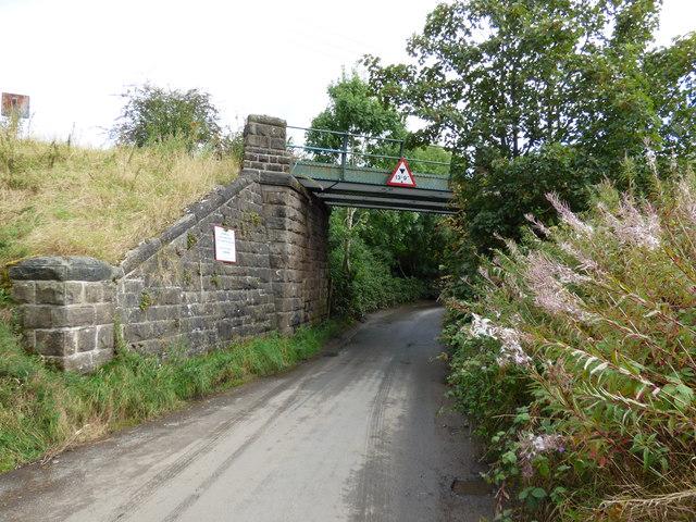 Brackenley Lane:  Railway bridge