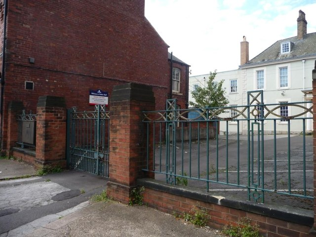 Entrance to Nether Hall, Nether Hall Road