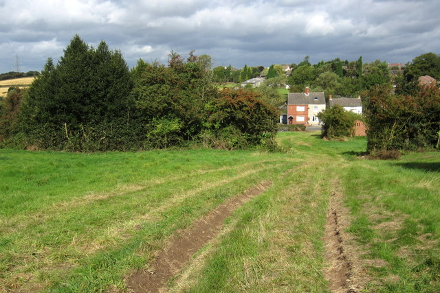 Path down to Donington le Heath
