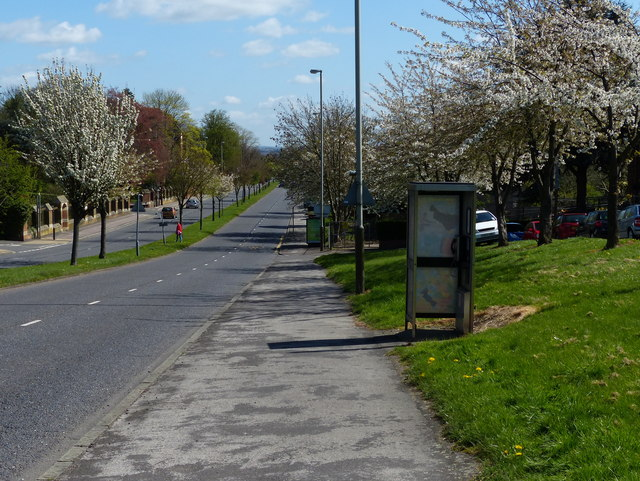 Telephone box along Groby Road