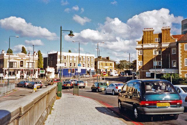 North on A205 South Circular Road at the end of Kew Bridge, Brentford