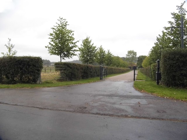 The entrance to Chasemore Farm on Bookham Road