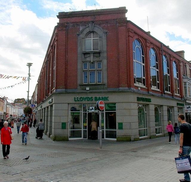 Lloyds Bank, Bridgend