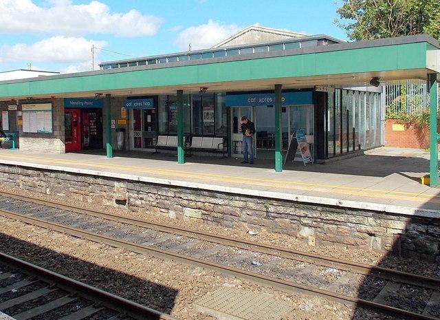 Cafexpress shop, Bridgend railway station