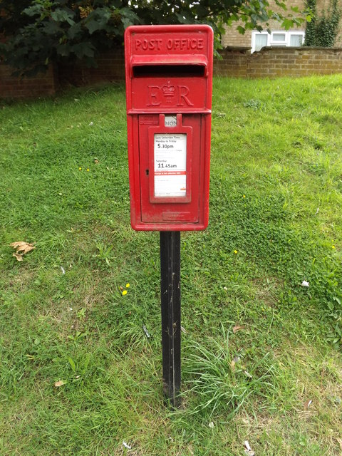 2 Sycamore Close Postbox