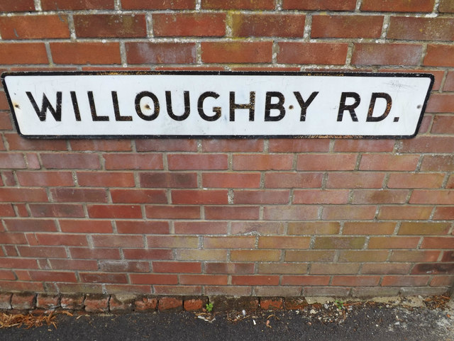 Willoughby Road sign