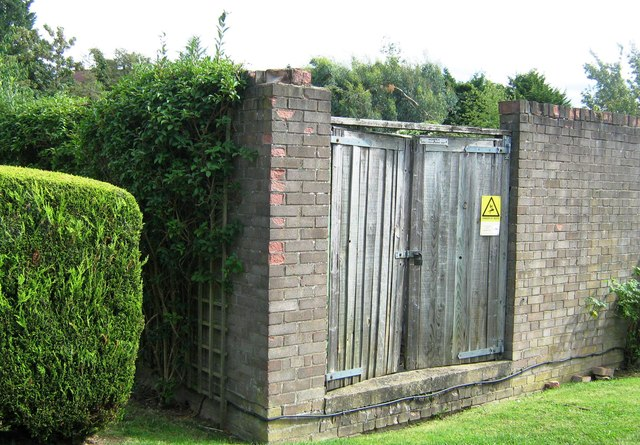 Electricity Sub Station off Heath View