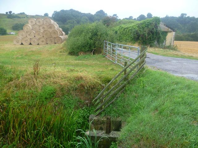 Hay bales near Boonshill Bridge