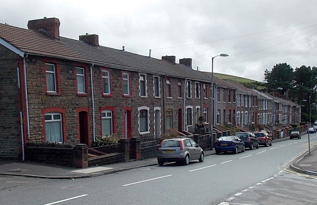 Long row of houses in Pontycymer