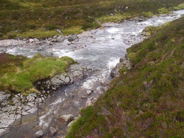Caochan Dubh joining Allt Luineag in the Eidart system, Glenfeshie