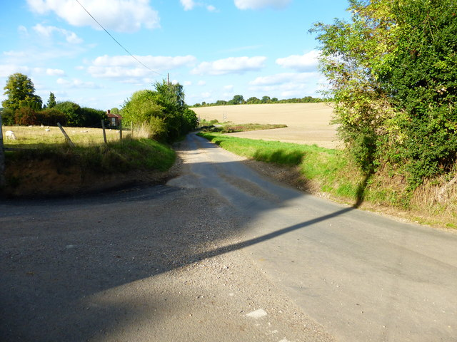 Looking north to Ford Farm from junction of lanes