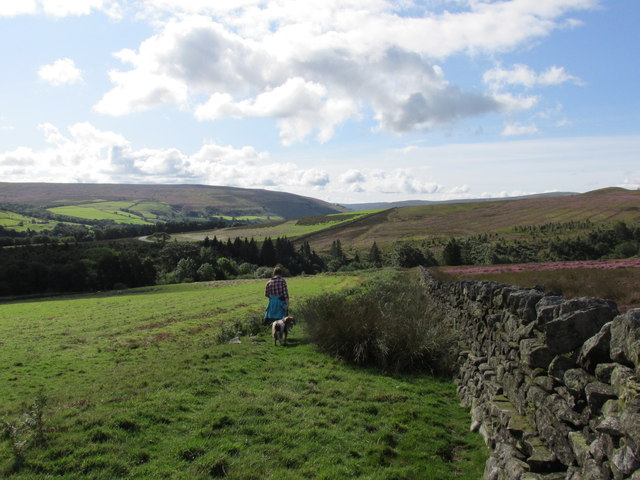 The Maiden Way drops down to Glendue Beck