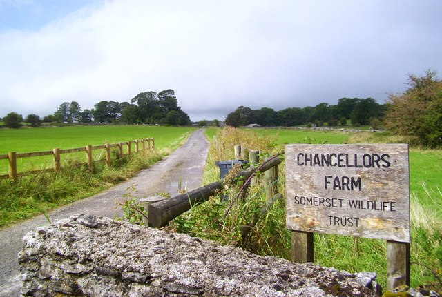 Road to Chancellor's Farm