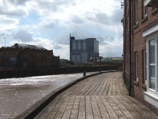 Boardwalk beside the River Hull