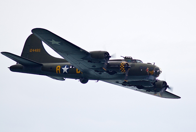 Bournemouth Air Festival 2014 - B-17 Flying Fortress (1)