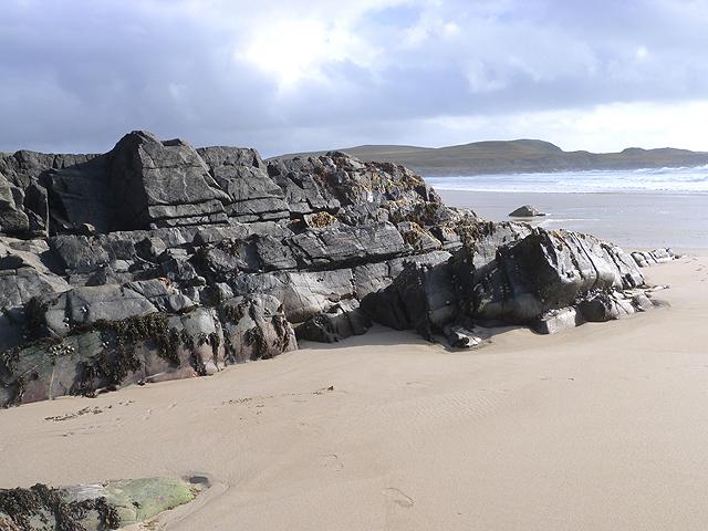 Rocks at the north end of Saligo Bay