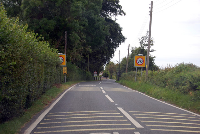 30 MPH area on B3139