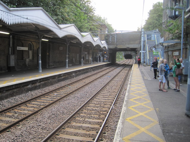 Clapton railway station, Greater London