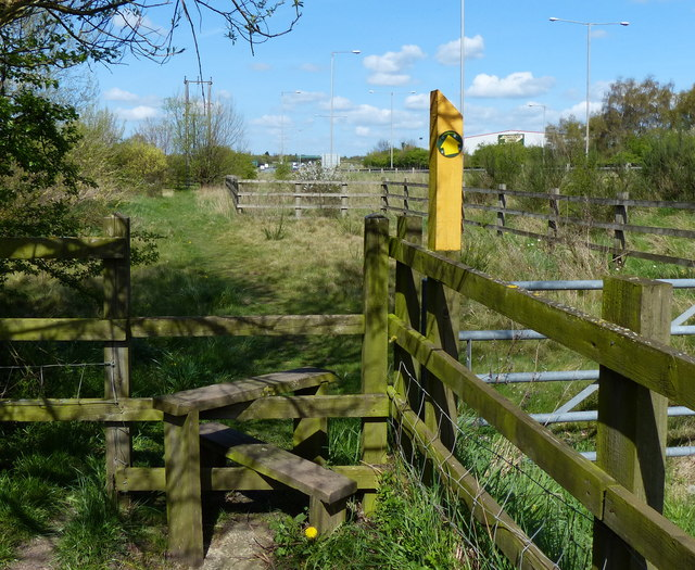 Footpath along the edge of the A46
