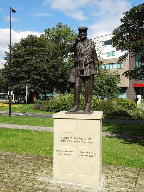 Statue of cricket umpire Dickie Bird in Barnsley