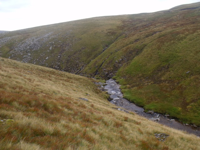 Steep and confined terrain ahead for Caochan Dubh in the Eidart system, Glenfeshie