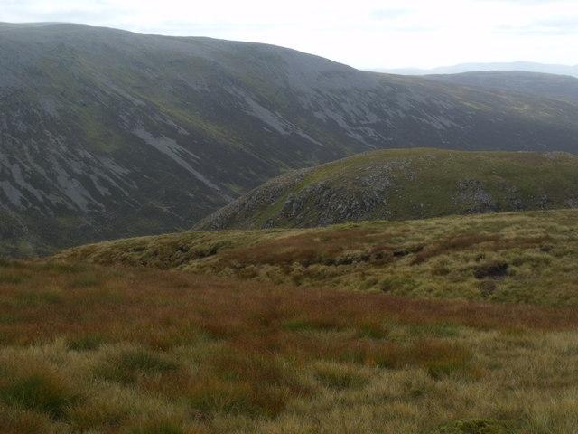 Cnap nan Laogh above the River Eidart, Glenfeshie