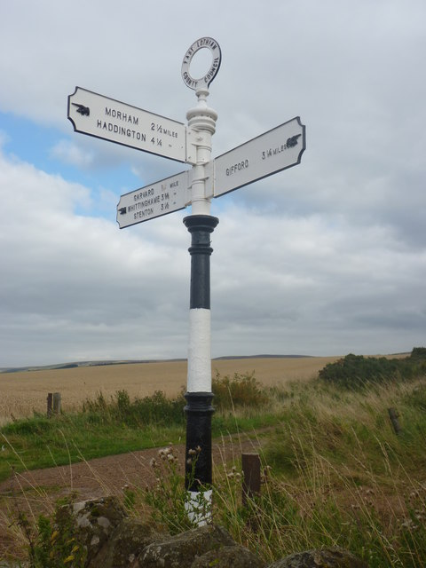 Rural East Lothian : ELCC Fingerpost At Chesters Crossroads