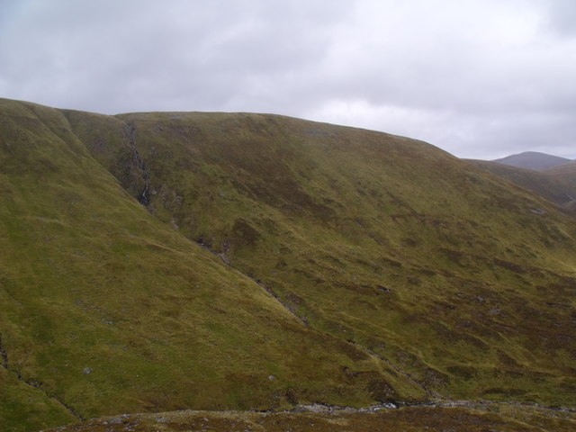 Across the Caochan Dubh valley in the Eidart system, Glenfeshie