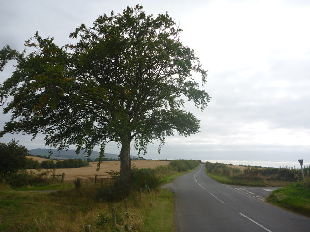 Rural East Lothian : Approaching The Crossroads Near Baro